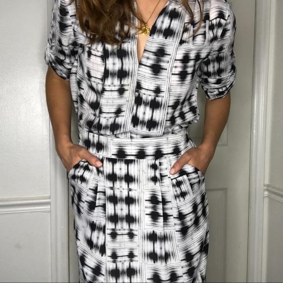 5398e129247 BCBGMaxAzria Dresses   Skirts - BCBG MAXAZRIA Florence tunic dress black  and white